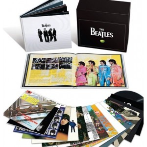 Beatles, The - The Stereo Vinyl Box Set [16LP (14 Album)] (180 Gram, Remastered, 252-page hardbound coffee table book)